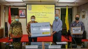 Bank Mayapada Serahkan Bantuan 1.000 Paket Sembako. Doc. Humas UI.