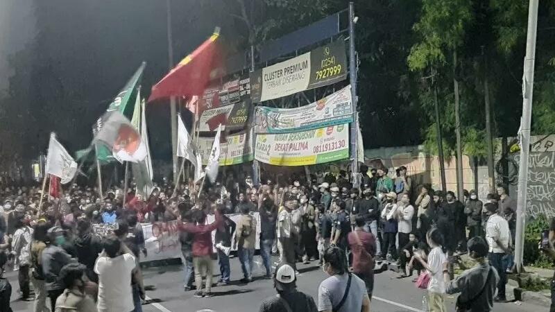 Aksi unjuk rasa Aliansi Geger Banten